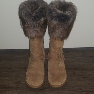 Woman's Uggs Size 9